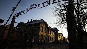 Conmemoraciones rivales de liberación de Auschwitz