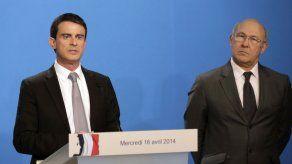 Francia recorta gasto en asistencia social