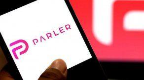 La controvertida red social Parler anuncia estar de nuevo disponible