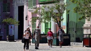 Los 915 nuevos casos de covid-19 diarios de Cuba fueron diagnosticados al procesar 23.384 pruebas PCR el viernes.