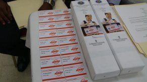 Entregan tarjetas de Metro Bus a más de 700 estudiantes de la Escuela Vocacional Especial