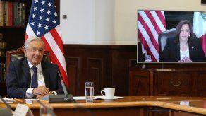 El presidente de México, Andrés Manuel López Obrador y la vicepresidenta de Estados Unidos, Kamala Harris.