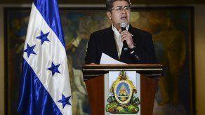 Presidente de Honduras dice que grabaciones de la DEA niegan que sea narcotraficante