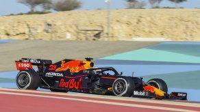 Verstappen domina la última sesión de pretemporada de F1 en Baréin