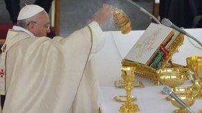 El papa pide a Paraguay acompañar a Venezuela