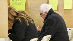 Sanders vota