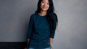 """Directora de """"Nomadland"""" enfrenta controversia en China"""