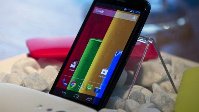 Motorola lanza un teléfono multiuso barato