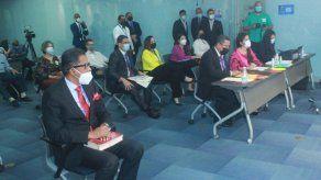 Comisión de Gobierno entrevista a los 14 aspirantes a Defensor del Pueblo