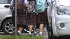Primer debate a proyecto que prohíbe a escuelas privadas exigir útiles y uniformes exclusivos