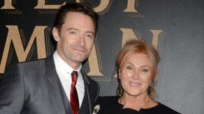 Esposa de Hugh Jackman reacciona ante rumores sobre la homosexualidad del actor