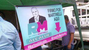 Simpatizantes de Martinelli recorren distrito de Panamá en busca de firmas