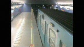 Ex policía dispara en Metro Chileno y deja muertos y heridos
