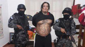 Detienen a un cabecilla pandillero que vivía en una lujosa casa en El Salvador