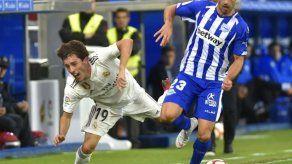 El Alavés desplaza al Real Madrid de la zona Champions