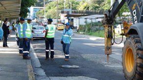 Avanzan trabajos de interconexión de tubería en El Chorrillo para mejorar suministro de agua