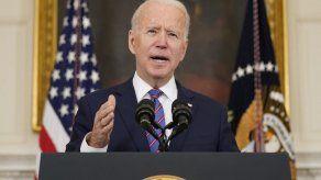 Biden destaca el apoyo a Ucrania en primera llamada con homólogo