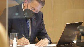Presidente Cortizo sancionó la ley que norma el reintegro gradual de trabajadores con contratos suspendidos