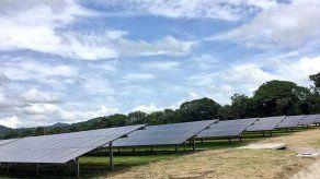 Inauguran parque de energía solar más grande de Costa Rica