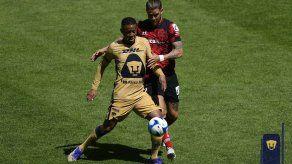 Gabriel Torres fue titular; Pumas volvió a caer