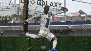 El Galaxy homenajea a Beckham con primera estatua en MLS