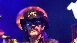 Las cenizas del roquero Lemmy se repartieron entre sus amigos en el interior de balas