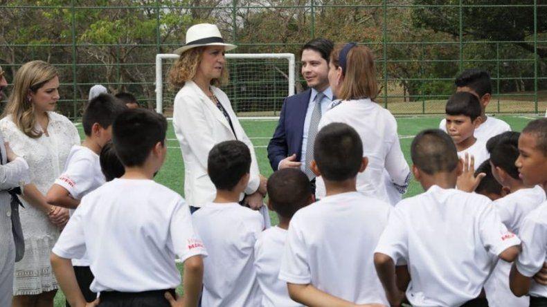 Elena de Borbón continúa en Panamá y visita Fundación Amigos del Real Madrid