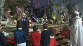 Papa marca nacimiento de Jesús con misa en el Vaticano
