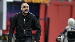 Leverkusen despide al DT Peter Bosz tras abrupto desplome