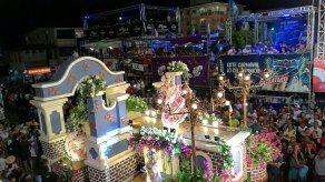 Desfile nocturno del Martes de Carnaval en Las Tablas