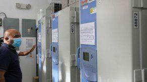 ICGES preparado con congeladores para recibir primer lote de vacuna de Pfizer contra el COVID-19