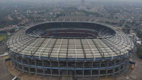 Estadio Azteca regresa a pasto natural