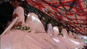 Nigeriano accede a divorciarse de 82 esposas
