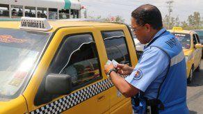 Más de 8 mil personas conduciendo sin licencia fueron detectadas hasta abril