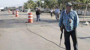 Cargo de homicidio a fundador autodefensas en México