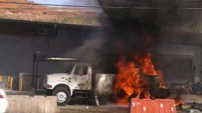 Grúa se incendió en la vía Tocumen