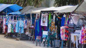 Alcaldía de Santiago prohíbe a comercios colocar toldas en avenidas por COVID-19