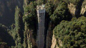 El mayor ascensor del mundo está en China y tiene vistas a los paisajes de Avatar