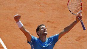 Thiem corta racha a Djokovic y es finalista en Francia