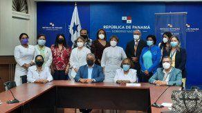 Representantes de ANEP y Minsa sostuvieron una renión por más de 10 horas.
