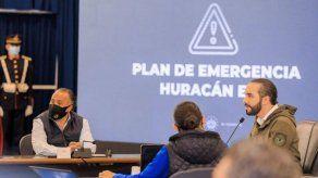 Bukele libera fondos de alcaldías salvadoreñas para atender efectos de Eta