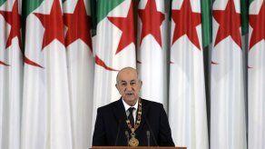 Presidente de Argelia tiene coronavirus