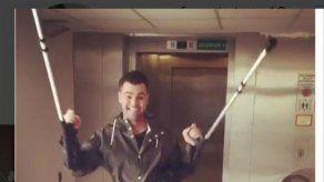 Fonsi Nieto sale bailando del hospital