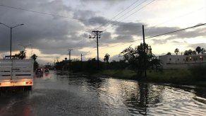 Tormenta tropical Sergio azota Baja California