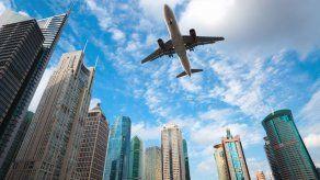 Multan y expulsan a iraní de Panamá por cometer acto libidinoso en un vuelo