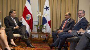 Presidente Varela viaja a Costa Rica para reunirse con su homólogo Solís