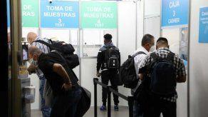 Todo viajero procedente de América del Sur deberá someterse a una prueba COVID-19 molecular obligatoria.