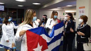 Arriban a Panamá médicos cubanos que apoyarán a las autoridades en la lucha contra el COVID-19