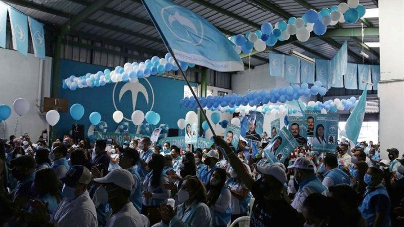 Candidatos a diputados inician oficialmente campaña electoral en El Salvador