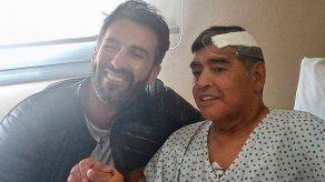 Médico de Maradona usó su firma falsificada